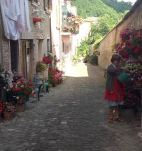 A woman and her flowers. Urbania